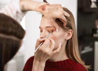 Problem opadających powiek – sposoby na skuteczne pozbycie się tej przypadłości