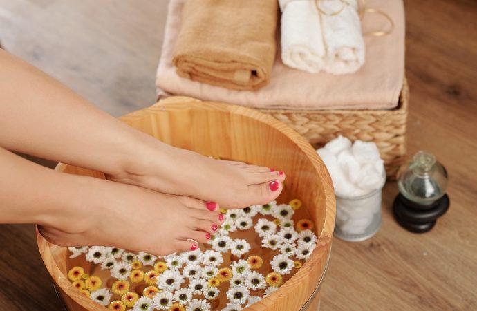 Dlaczego warto moczyć nogi w soli